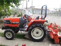 Traktor japonez
