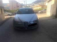 Shitet Alfa Romeo 147 per arsye emigrimi