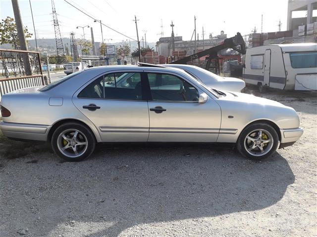 Mercedes-benz-e220