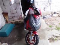 She's motorryers skuter 80cc