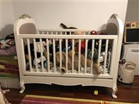 Krevat femijesh druri i lyer shume cilesor