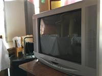 10 Televizore Telefunken Fuego Grunding