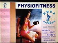 Fitness femrash, i pajisur me vegla tecnogym, ne..