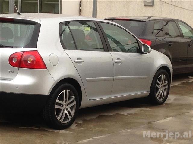 VW-Golf--06