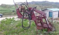 Ngarkuese per traktor