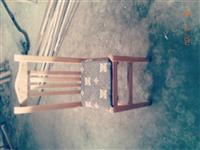 karrige & tavolina prej drruri