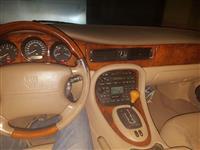 Jaguar XJ 4000 i vitit 2001
