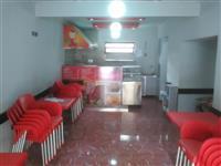 Dyqan fastfood ne Elbasan