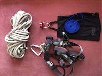 Petzl Rock climbing kit per alpinizem.