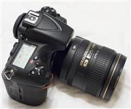 Nikon D810 DSLR Camera me 24-120mm AF-S Nikkor