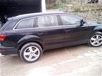 Audi Q7 300cc