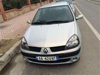 Renault Clio 02