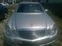 Mercedes 220 Cmim i Diskutushem