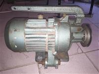 Motorr me freksion per makine qepse indrustriale