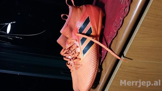 Taka-sporti-numri-40-cmimi-40-milek
