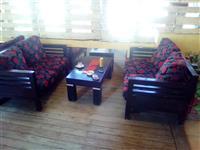 Tavolina karrige kolltuk