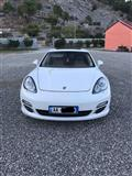 Porsche Panamera -12