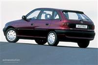Opel astra 1996 1.4 benzine gaz per pjese.