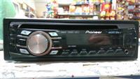 Kasetofon Pioneer  ka vend per CD  edhe USB