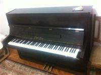 PIANO  ''PEARL RIVER""