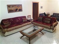 Shiten te gjitha orendite e nje shtepie ne Tirane