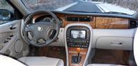 Jaguar  2.0 benzina  automatik