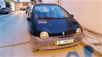 Renault twingo shitet