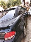 Shitet nje makine e tipit Hyundai i '99 sportiv