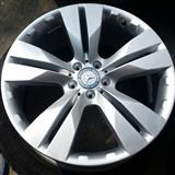4   Disqe e goma. Te reja Benz. ML.  20 inch.