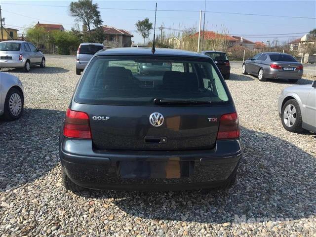 VW-Golf--02