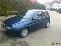 Lancia ypsilon benzin+gaz 1200euro