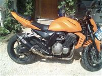 Kawasaki Z750 model -06