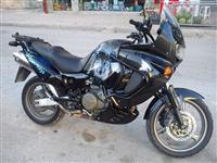 Honda VARADERO 1000. NDERROHET