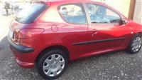 Peugeot 2005 (2200€) i diskutueshem
