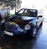 Shitet Lancia Thesis 1700 Euro