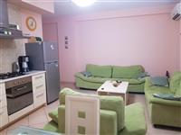 Shitet apartament 1+1 ne qender te Sarandes