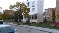 Shitet një dyqan në lagjen 18, Korçë.