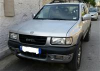 Shitet Opel Frontera 2.0 4x4
