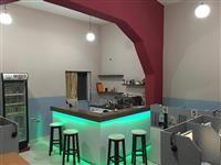 Shitet Salle Internet kafe e kompletuar.