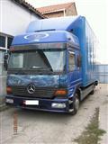 Mercedes 823