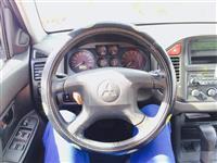 Mitsubishi Pajero suv