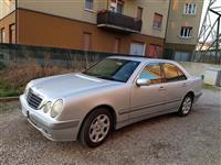Mercedes Benz E220 viti 2001