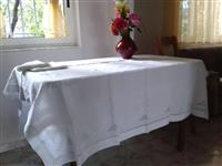 Mbulese tavoline punim artizanal