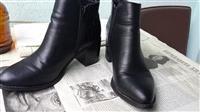 Çizme të shkurtra (15 mij lek të vjetra)