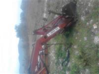 eskavator per traktor