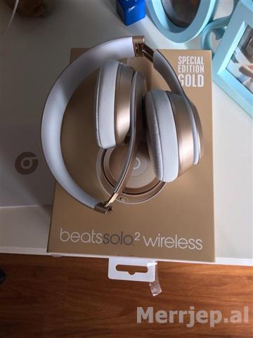 Beats-Solo2-Wireless-Special-Edition-Gold