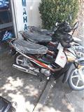 Motorra Honda te rinj