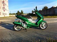 Yamaha maxster 125cc.