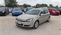 U SHIT Opel Astra 1.7 5p CDTI Cosmo