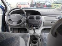 Renault scenic viti 2001 1.9 nafte  2300 €